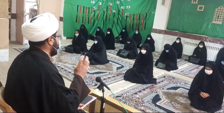 ۴۰ طلبه و استاد حوزه علمیه الزهرا(س) قروه در مهرواره محله همدل ثبت نام کردند