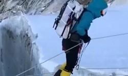کوهنورد اصفهانی روی بام دنیا ایستاد
