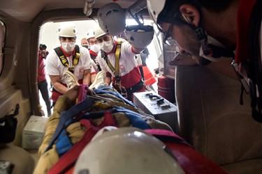 انفقال بیمار به بیمارستان با آمبولانس