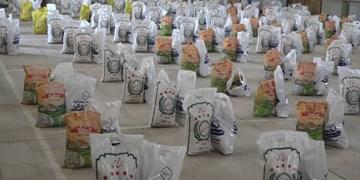 توزیع ۷۰۰ بسته معیشتی سپاه بین نیازمندان فهرج