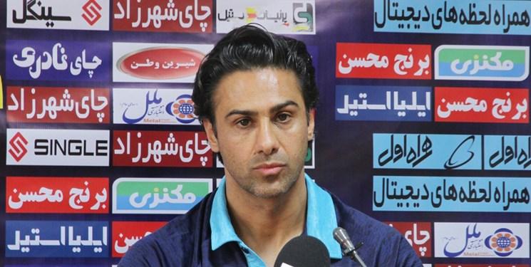 انتقاد شدید مجیدی از وزارت ورزش و هراتیان؛ اجازه نمی دهم در مورد استقلال تصمیم بگیرند/مثل مرد تیمم را به دربی می فرستم