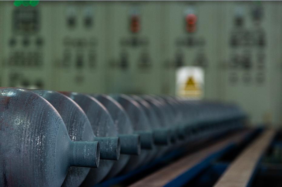خطر بازگشت به عصر واردات بنزین در دولت سیزدهم/ راهکار عبور از بحران بنزین چیست؟
