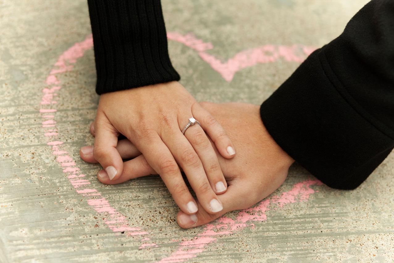 چگونه بهتر به همسرمان عشق بورزیم؟/مواردی که عشق و علاقه ما را بیشتر می کند