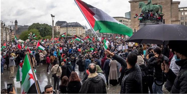 دهها هزار نفر در اروپا در حمایت از فلسطینیان راهپیمایی کردند+عکس