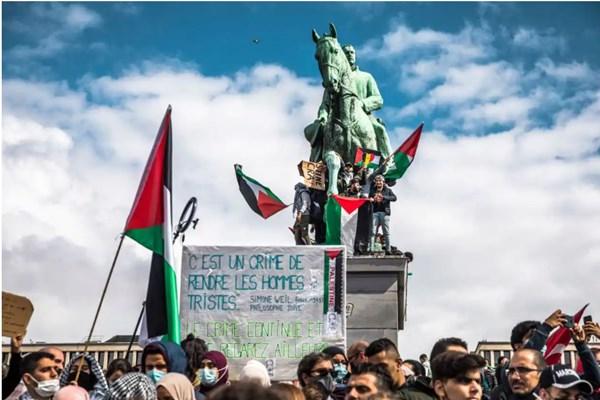 14000226000245 Test PhotoL - دهها هزار نفر در اروپا در حمایت از فلسطینیان راهپیمایی کردند+عکس