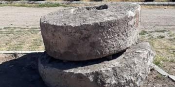 شناسایی دو آسیاب سنگی تاریخی در شهرستان سراب