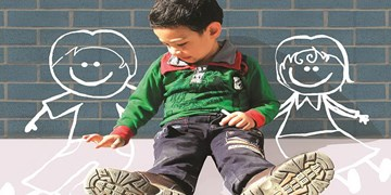 ما ضربه شعار غلط«فرزند کمتر زندگی بهتر» را میخوریم/سندرم آشیانه خالی ارمغان تک فرزندی برای والدین