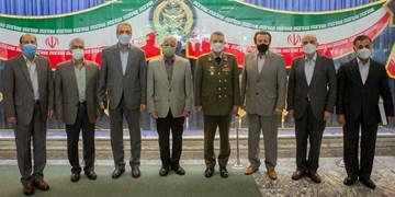 فرمانده کل ارتش به 6 تن از پیشکسوتان عملیات آزادسازی خرمشهر نشان فداکاری اهدا کرد