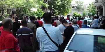وساطت سمیعی برای آزادی هواداران پرسپولیس/ یک نفر همچنان در بازداشت