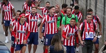 جشن خیابانی بازیکنان اتلتیکو با هواداران در 200 کیلومتری مادرید +عکس و فیلم