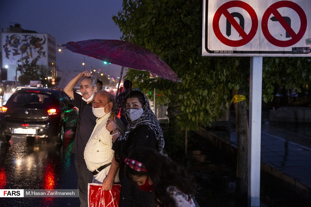 باد و باران شدید در پایتخت - چهارراه ولیعصر
