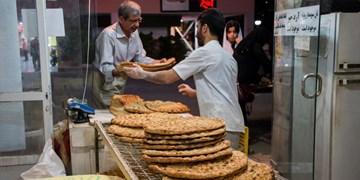 فیلم| نانوا و مردم ناراضی از قیمت نان/ چرا دولت مشکل نان مردم را حل نمیکند؟