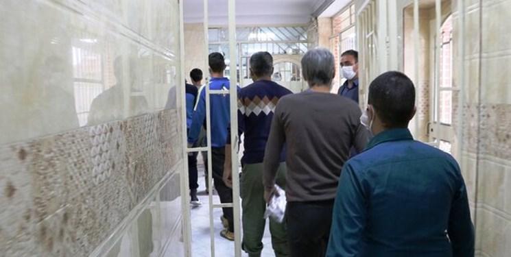پیگیریهای این امام جماعت 12 زندانی  را آزاد کرد