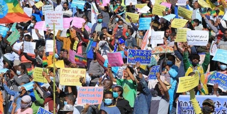 تظاهرات دهها هزار نفری علیه «جو بایدن»  و  در حمایت از روسیه و چین در آدیس آبابا