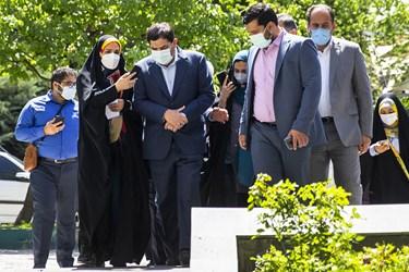 ورود محمد مخبر رئیس ستاد اجرایی فرمان حضرت امام(ره) به آیین بهرهبرداری از طرحهای آبرسانی به ۵۰۰ روستای کشور