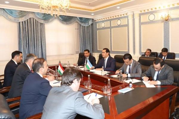 خیز ازبکستان و تاجیکستان برای افزایش مبادلات تجاری تا یک میلیارد دلار