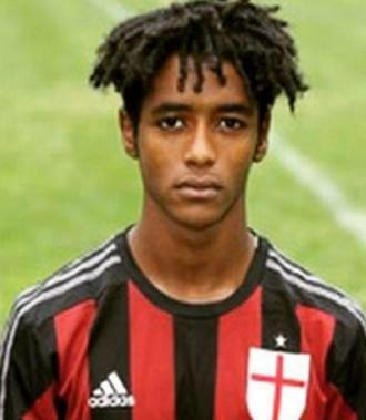 خودکشی بازیکن فوتبال به خاطر نژادپرستی / یادداشت تکان دهنده بازیکن سابق میلان