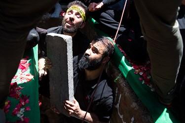 عبدالرضا هلالی در تدفین دو شهید گمنام در بوستان اندیشه