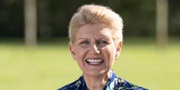 یک خانم موفق برای نخستین بار رئیس اتحادیه فوتبال انگلیس شد