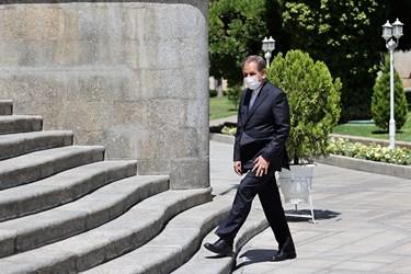 اسحاق جهانگیری معاون اول رئیس جمهور پس از پایان جلسه هیأت وزیران / ۱۹ خردادماه ۱۴۰۰