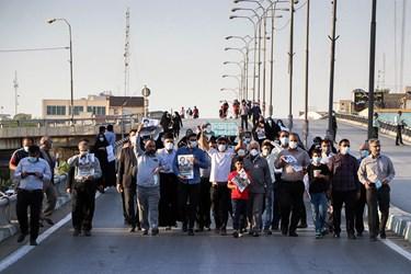 مسیرهای منتهی به ورزشگاه تختی اهواز از بعدازظهر با محدودیت ترافیکی روبه رو شده بود و از تردد خودروها جلوگیری میشد.