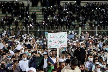 در این همایش که در ورزشگاه تختی برگزار شد جمع زیادی از مردم خوزستان حضور داشتند.