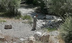 فارس من| پیگیری موضوع زباله در بستر رودخانه هراز/ از جمعآوری زباله تا انسداد مسیر دسترسی