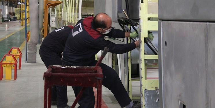 چند درصد صنعت در غرب استان سمنان قرار دارد؟