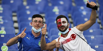 یورو 2020|حضور هواداران پرشور ترکیه در استادیوم المپیکو برای بازی افتتاحیه+عکس