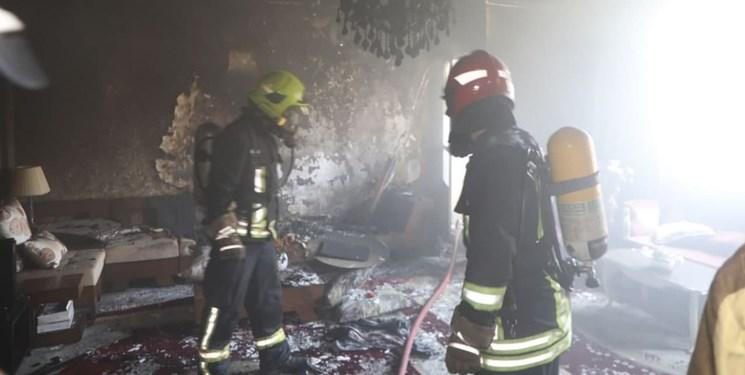 کولر گازی یک آپارتمان مسکونی در مشهد را به آتش کشید