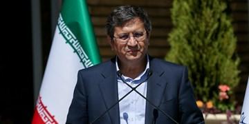 عبدالناصر همتی به منظور شرکت در انتخابات در حسینیه ارشاد حضور یافت