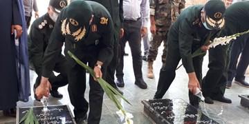 آغاز سفر دو روزه رئیس سازمان بسیج مستضعفین به کردستان/ادای احترام سردار سلیمانی به مقام شامخ شهدای استان