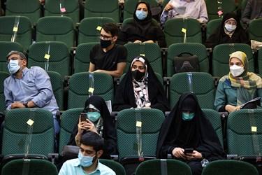 اساتید و دانشجویان حاضر در نشست با علیرضا زاکانی نامزد انتخابات سیزدهمین دوره انتخابات ریاست جمهوری