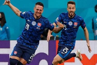 گزارش تصویری از دیدار تیم های لهستان و اسلواکی