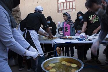 پخت نان محلی سوروک