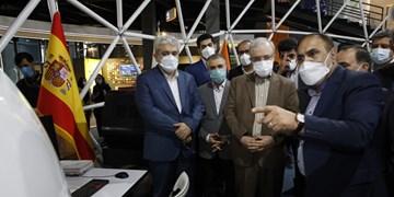 رباتهای پزشکی ایرانساخت به نمایش درآمدند /ستاری: فناوری این تجهیزات در دنیا بینظیر است