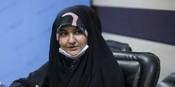 مطالبات واقعی و ضروری بانوان درمیان شعارها گم شده است/ نیازهای زنان در حوزه سلامت