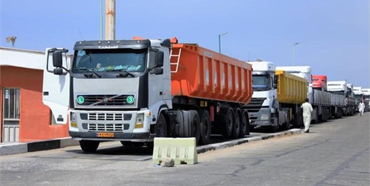 بیش از ۲۸۰۰ دستگاه کامیون از کرمانشاه به بندر امام خمینی(ره) اعزام شد