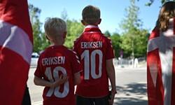 یورو 2020 تصاویری جالب از حمایت دانمارکی ها و بلژیکی ها از اریکسن