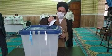 نماینده ولیفقیه در آذربایجانغربی رای خود را به صندوق انداخت