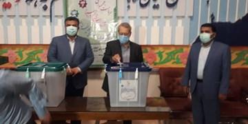 علی لاریجانی در استان مازندران رأی خود را به صندوق انداخت