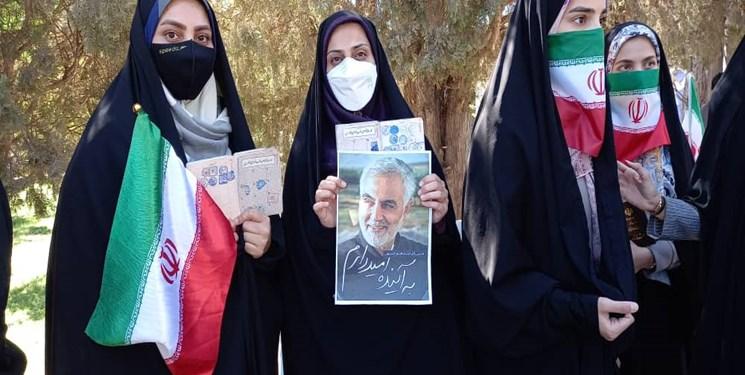 شور حماسه در دیار افلاکیان/ لبیک لرستانیها برای ایرانی قوی