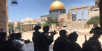 حمله صهیونیستها به تظاهرات فلسطینیها در مسجدالاقصی + فیلم و عکس