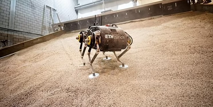 نخستین ربات چهارپا مریخ را کاوش میکند + فیلم