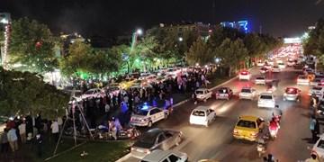 فیلم| کارناوال شادی مشهدیها به مناسبت پیروزی آیت الله رییسی در انتخابات ریاست جمهوری