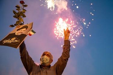 جشن پیروزی هواداران آیتالله رئیسی در میدان امام حسین(ع) تهران