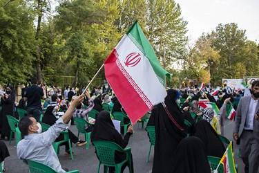 جشن پیروزی هواداران آیتالله رئیسی در خیابان شهید سلیمانی ارومیه