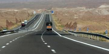 60 درصد ترافیک محور بندرعباس-لارستان-جهرم به خودروهای سنگین اختصاص دارد