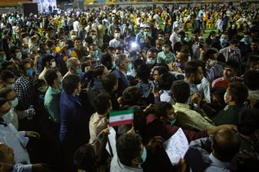 حضور علیرضا زاکانی، رئیس مرکز پژوهشهای مجلس شورای اسلامی در جمع مردم قزوین در ورزشگاه شهید رجایی