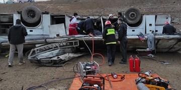 فرمانده انتظامی نقده: نقص سیستم ترمز عامل حادثه واژگونی اتوبوس خبرنگاران بود